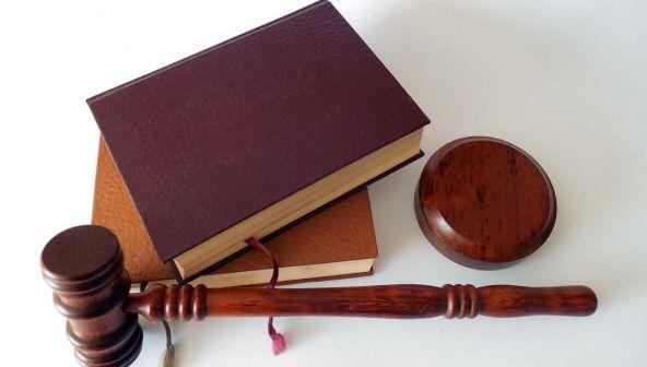 Апрельские законы: индексация пенсий, нулевой тариф, облегченная ипотека и запрет пластиковых карт